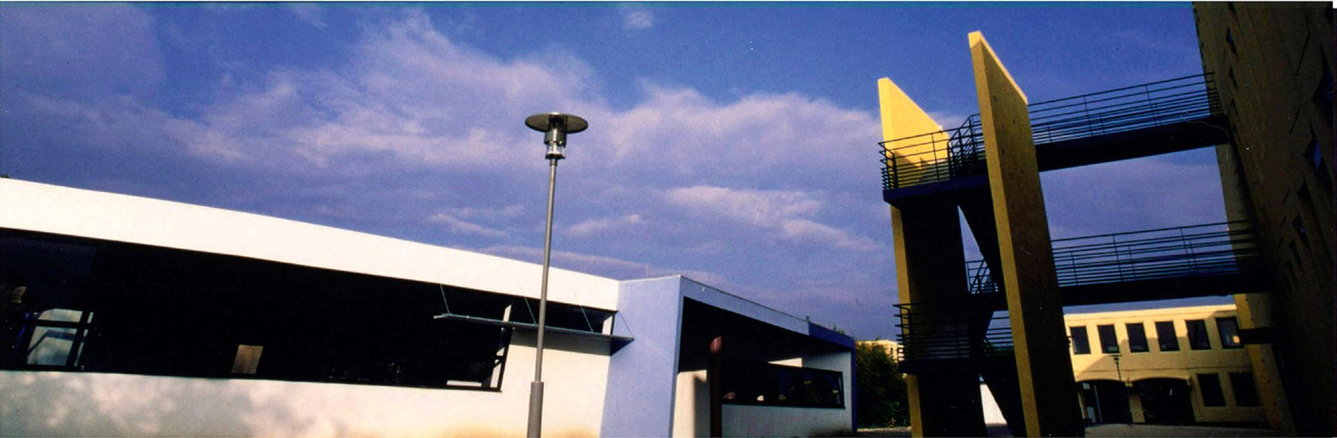 LEP FERDINAND REVOUL VALREAS RESTRUCTURATION ET EXTENSION 1995-2000